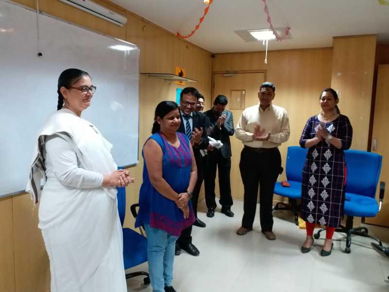 अहमदाबाद में मेक्स लाइफ इंस्योरेंस कम्पनी लीमिटेड  ने किया राजयोग का अभ्यास दिनांक 5-12-2018